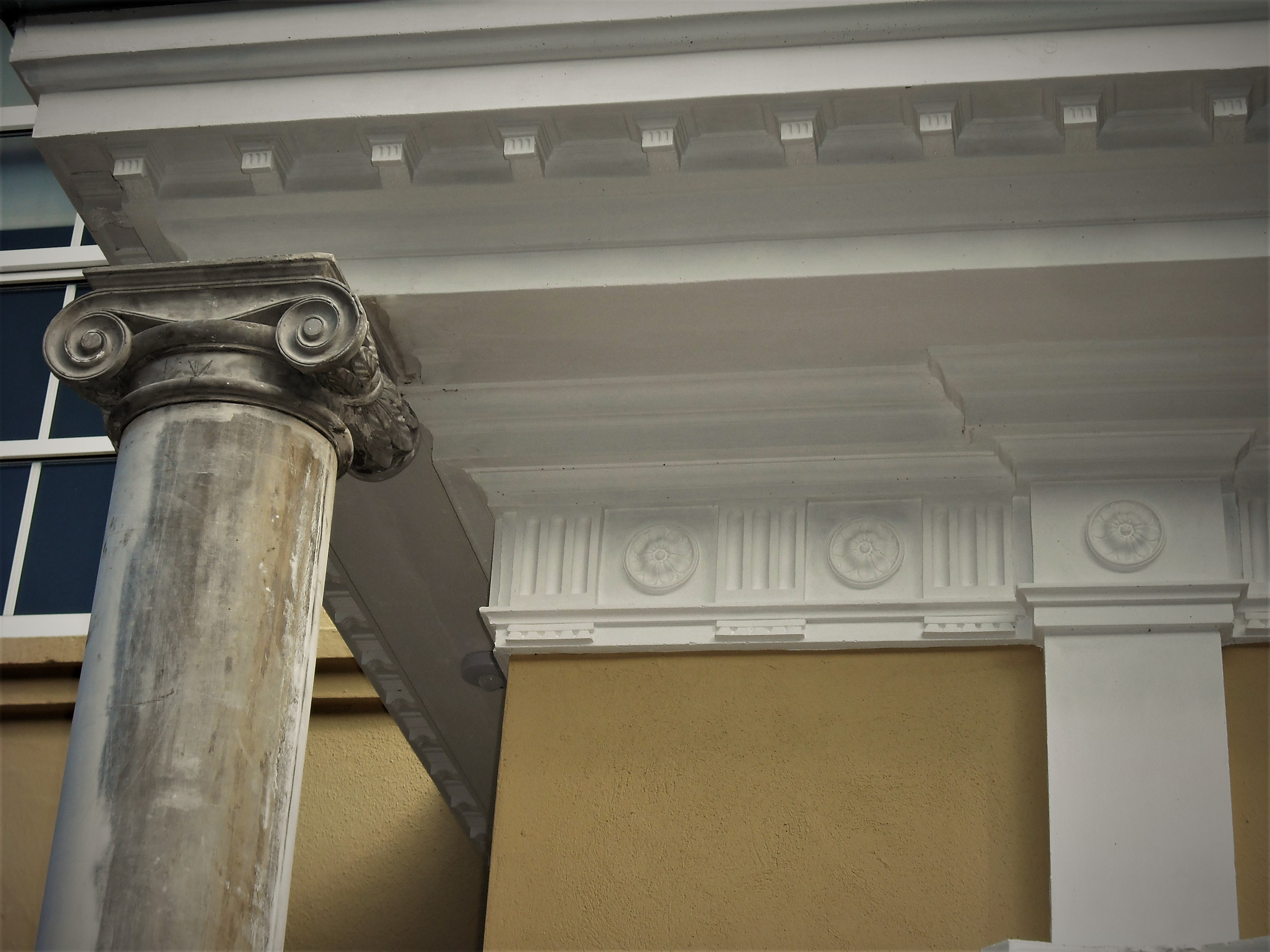 EXTERIORS - Capital Plaster Mouldings